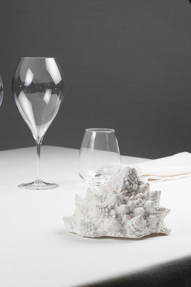 piatto scultura di Franco Aliberti, Tre Cristi